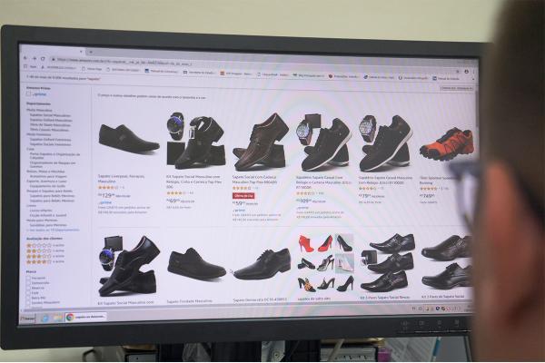 Dia do Consumidor: veja dicas de compras online