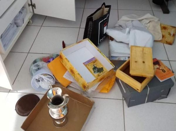 Ladrões invadem duas igrejas em Vila Velha no intervalo de um dia e bebem garrafa de vinho
