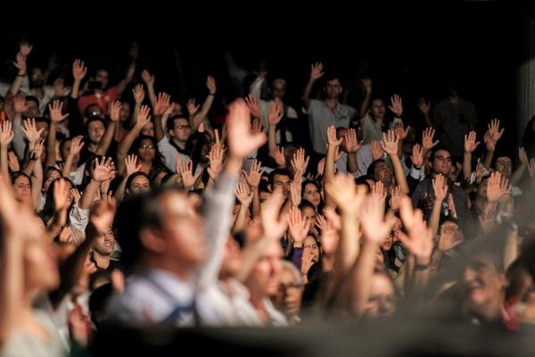 Preocupação com o coronavírus muda rotina em igrejas no ES e missas são transmitidas online