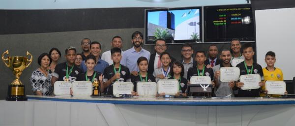 Comissão de Esportes homenageia time de futsal capixaba