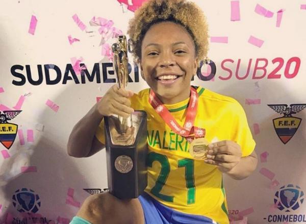 Valéria é convocada e faz primeiro treino da Seleção sub-20 para Copa do Mundo