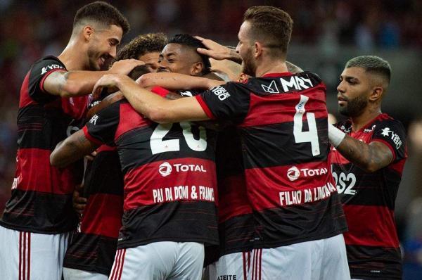 Flamengo mantém paralisação e entrega equipamentos para atletas treinarem em casa