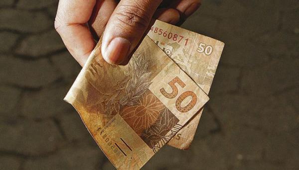 Saiba quem tem direito a receber dinheiro na quarentena