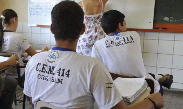 Suspensão de aulas pode prejudicar estudantes no Enem, dizem estados