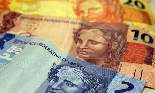 Senado aprova extensão de auxílio de R$ 600 a mais de 30 categorias. Veja quais são!