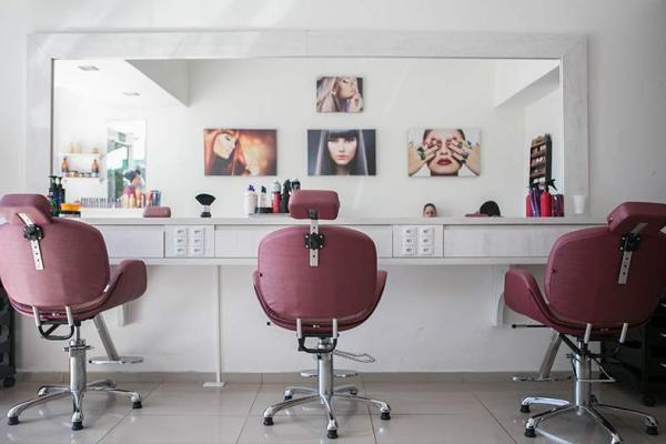 Barbearias, salões e clínicas de estética podem funcionar no ES; confira a lista do que abre durante a pandemia