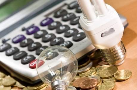 Consumidores inscritos na Tarifa Social não vão precisar pagar conta de luz entre abril e junho