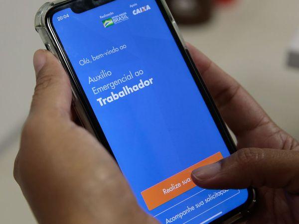 Câmara amplia auxílio de R$ 600: pais solteiros vão receber R$ 1.200