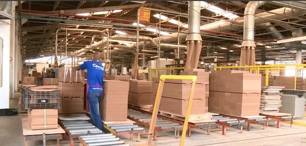 Setor moveleiro se prepara para voltar a produzir em Linhares