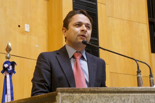 Médico será o vice de Vandinho Leite na disputa à prefeitura da Serra