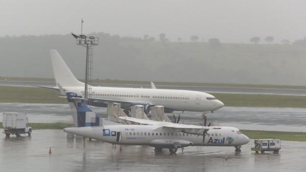 Chegu o Sexto voo com brasileiros deportados pelos eua, O Avião Chegou com os deportados dos EUA e pousa em MG