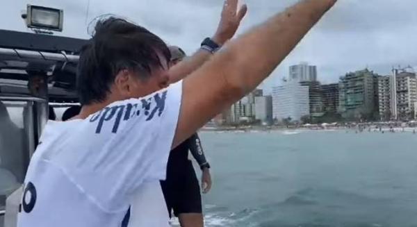 Após feriado prolongado, Bolsonaro retorna a Brasília